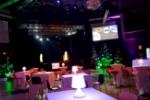 Vous avez besoin d'un traiteur pour un anniversaire d'entreprise à Clermont-Ferrand ? Les Tabliers Rouges vous proposent leurs différentes prestations : cocktail, repas, animation culinaire...
